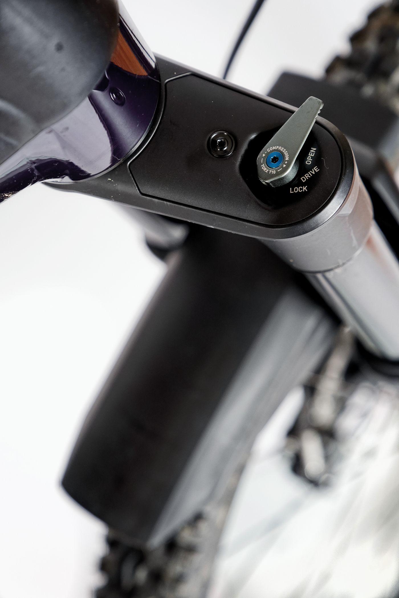 Bixs Sign ClimBer-e -  Lockout-Hebel der DT Swiss F 535 One Federgabel