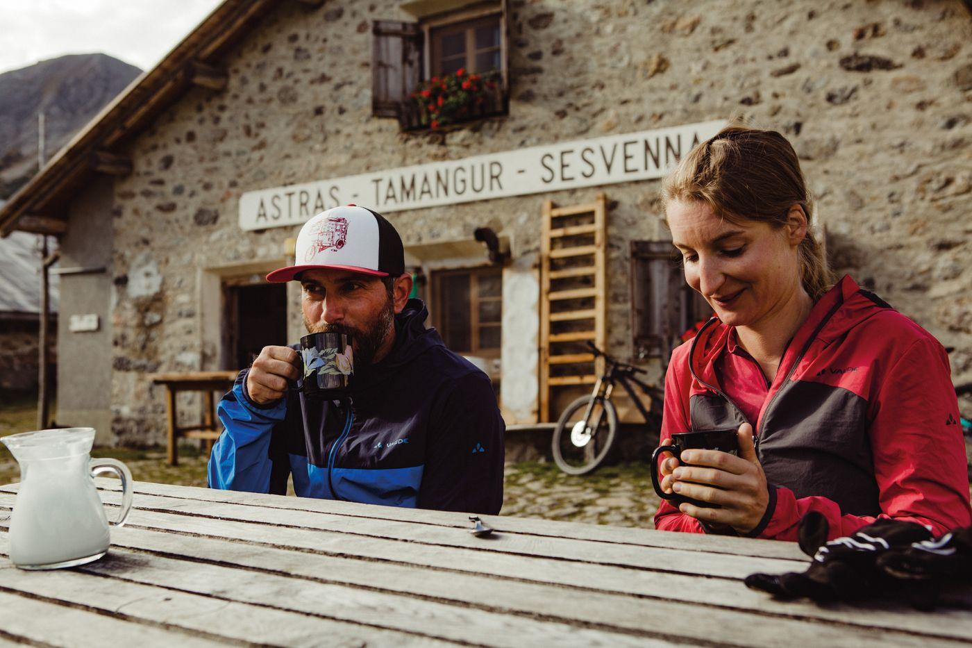 Crappa Prada God -  Cappuccino auf der Alp Astras Tamangur