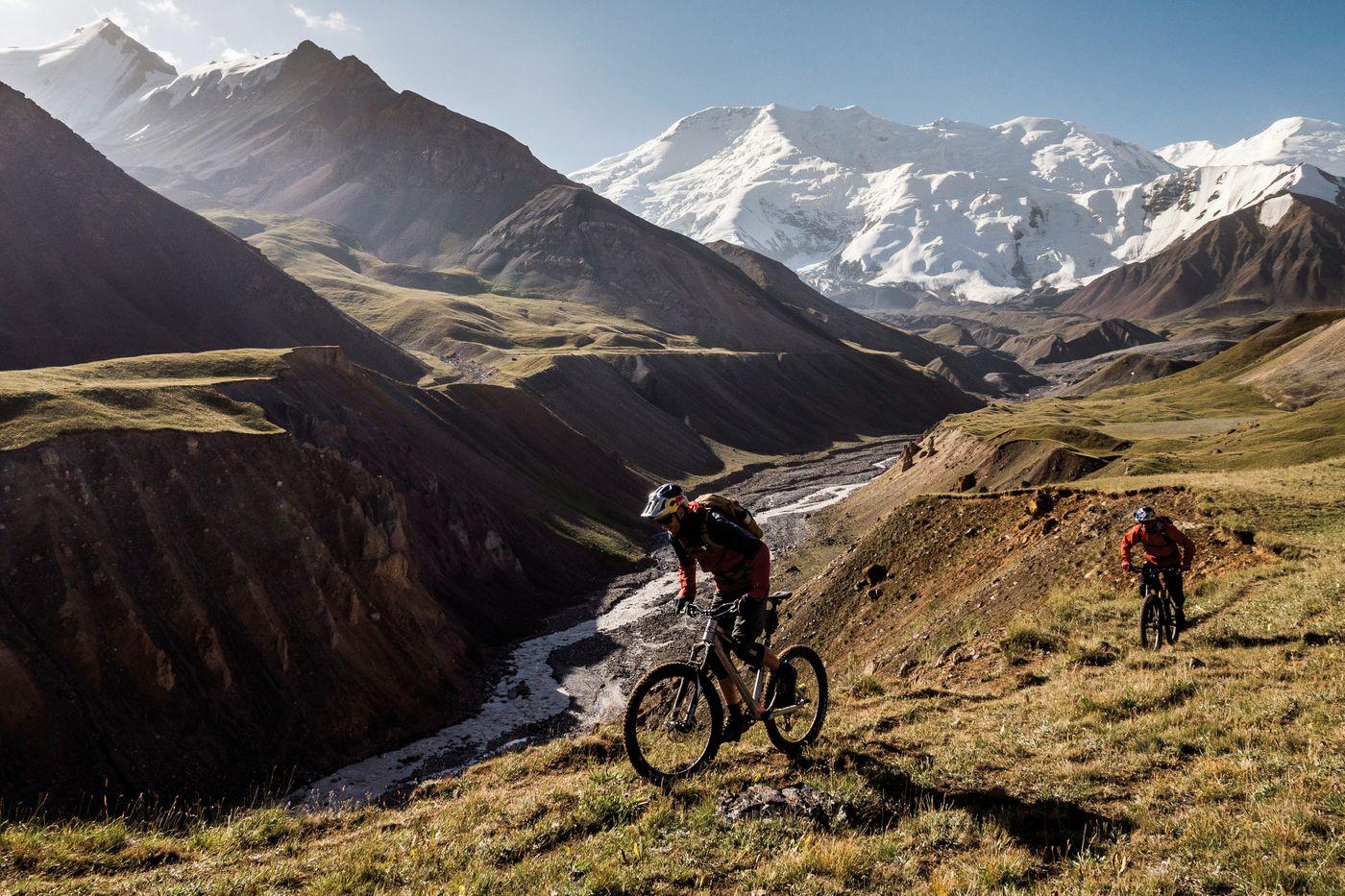 Durchs Wilde Kirgistan - Gipfel des Pik Lenin