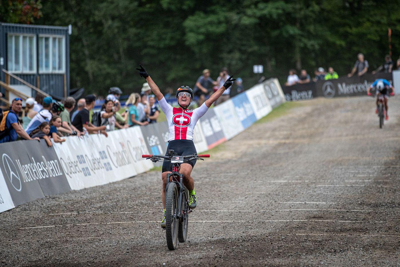Nathalie Schneitter holt Gold bei der ersten E-Mountainbike-WM