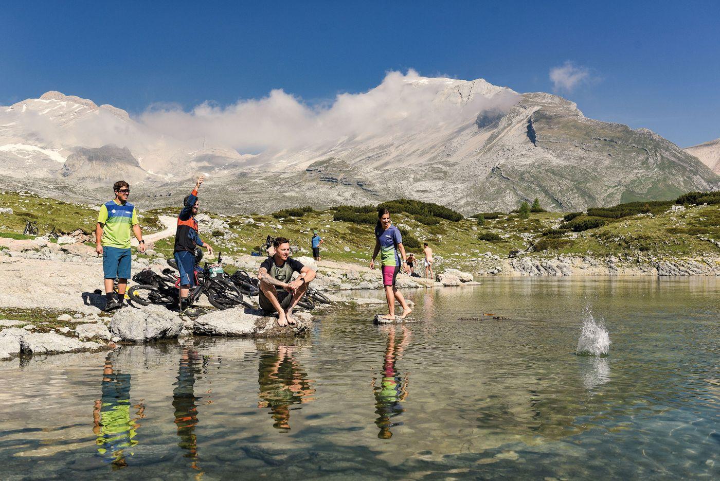 Sankt-Vigil-Dolomiten-Born-19-02-Limosee